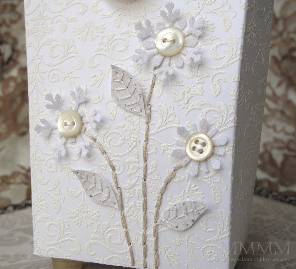 Caardvarks CCM tuck & close box flower DETAIL mel stampz