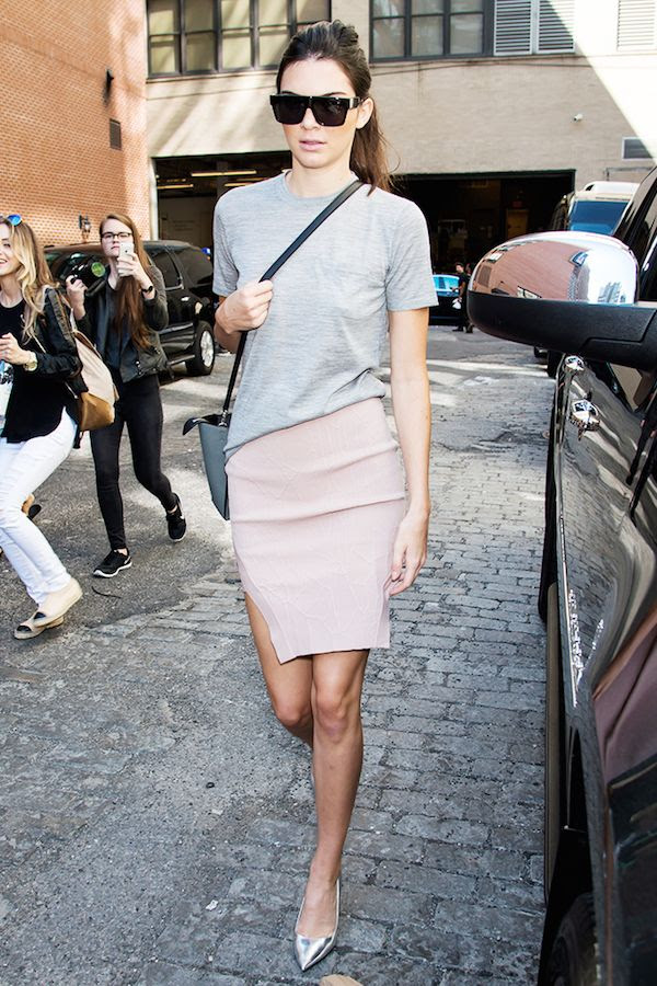 Le Fashion Blog Kendall Jenner Model Style Black Sunglasses Grey Tee Crossbody Bag Thigh Slit Pink Skirt Silver Pumps Who What Wear