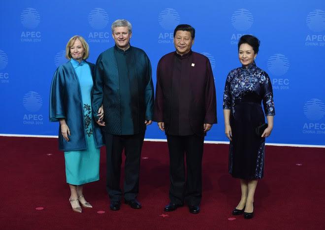Phong cách thời trang của Phu nhân Trung Hoa cũng tinh tế, thanh lịch chẳng kém bất kỳ nhân vật Hoàng gia nào - Ảnh 12.