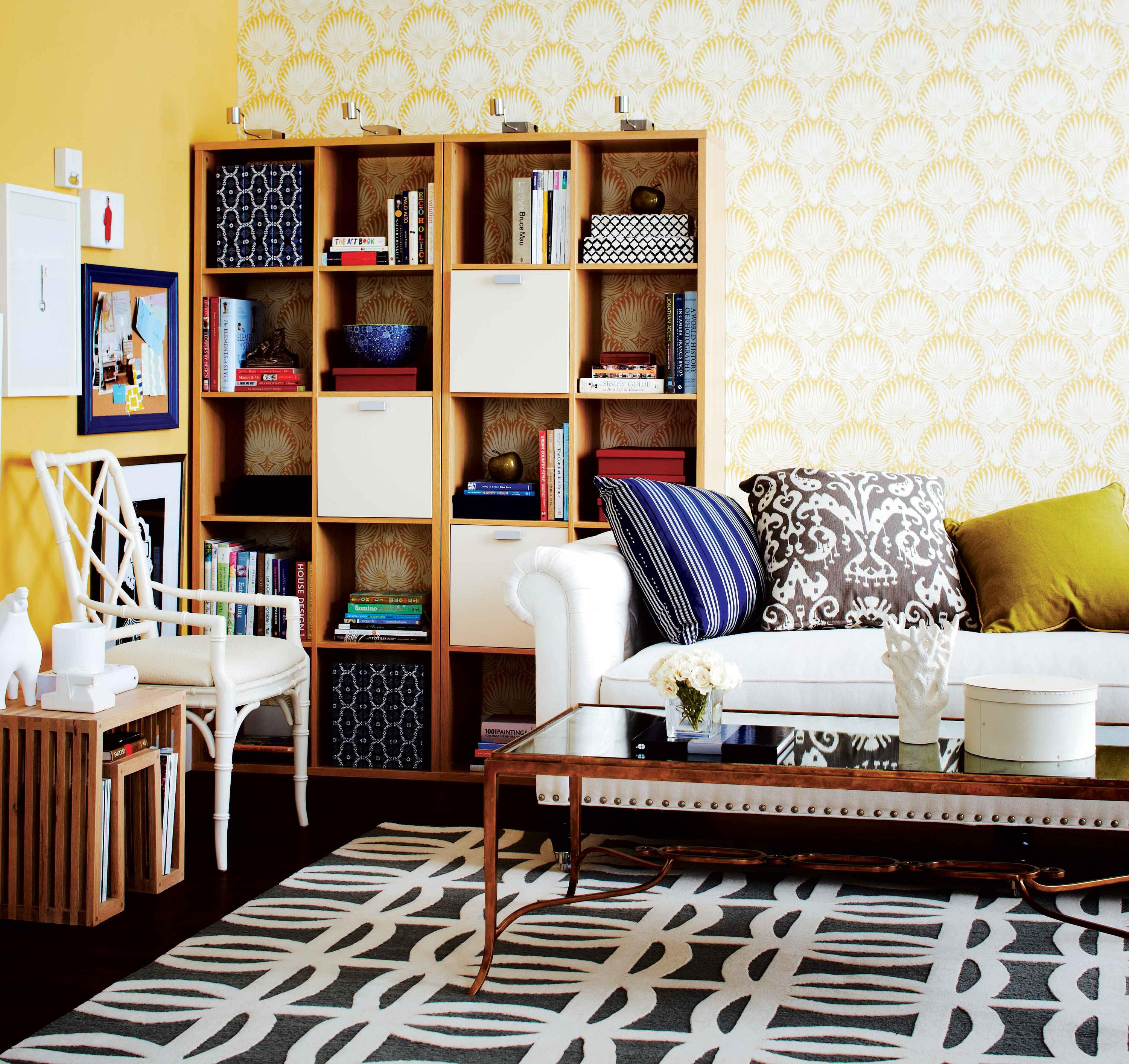 How to create a stylish workplace in your living room ...