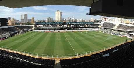 100 refugiados poderão acompanhar jogo do Santos na Vila Belmiro
