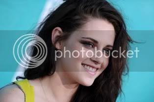 Kristen at the 2012 MMAs