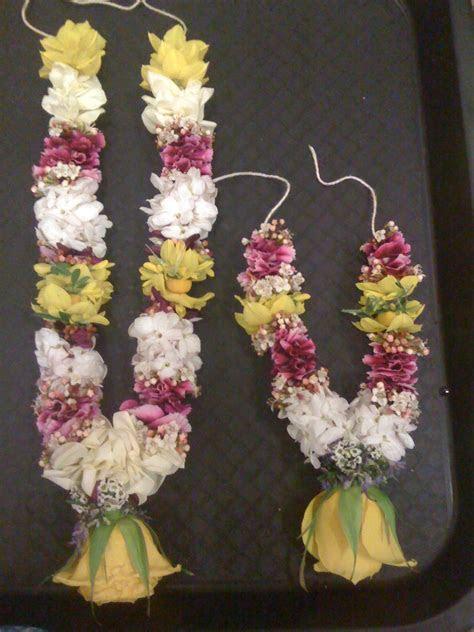 Small flowers garland.   Garland Thai Flower.   Flower