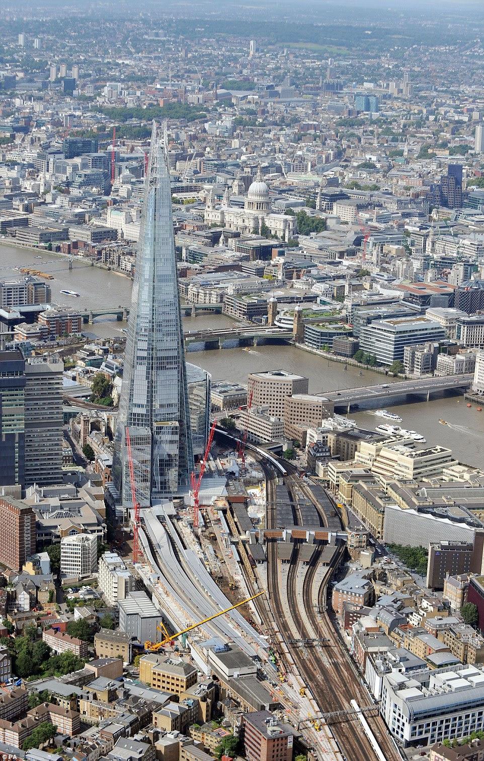 Εκφράζεται η ελπίδα ότι η Thameslink πρόγραμμα θα παρέχει στους επιβάτες πιο άνετα τρένα τρέχουν μέσα από το κεντρικό Λονδίνο κάθε δύο με τρία λεπτά