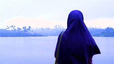 gambar wanita hijab syari  belakang tutorial hijab
