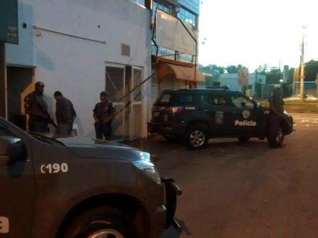 Trio é preso em tentativa de furto a banco em São José dos Campos, SP (Foto: Divulgação/ Baep)