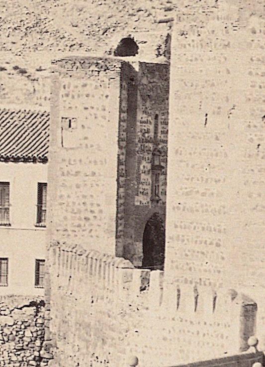 Puerta de San Ildefonso de Toledo, demolida en 1871. Fotografía de Charles Clifford (detalle).