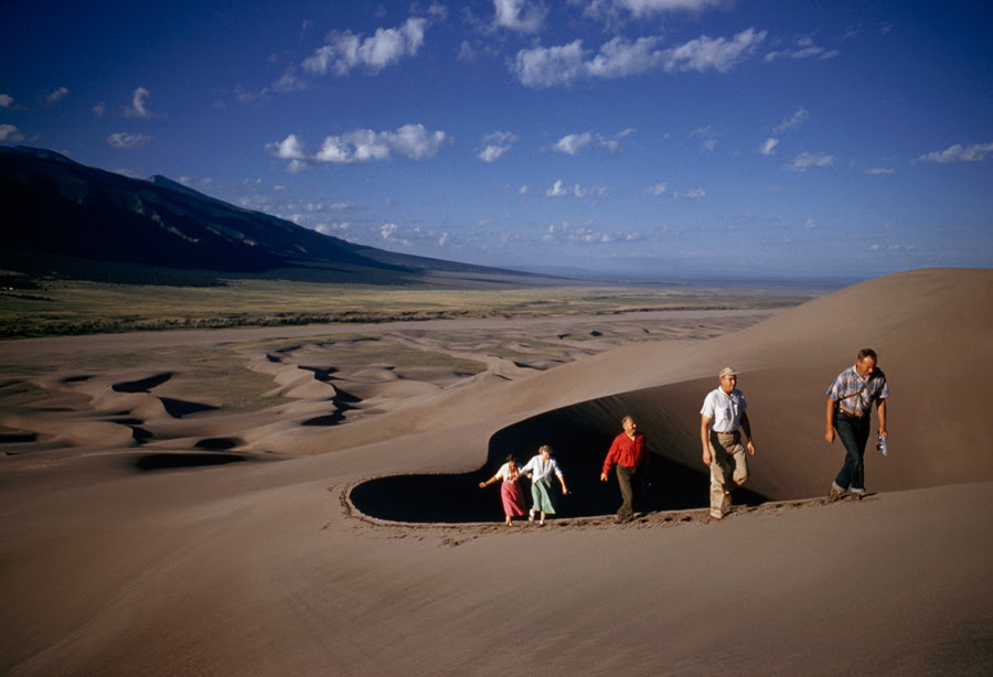 Giant dunes sculpted by the wind present a challenge for day hikers in Great Sand Dunes National Park, Colorado, May 1958.Photograph by William Ralph Gray, National Geographic