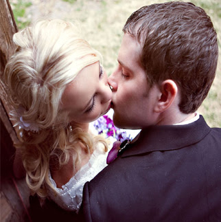 couple-kissing-image-dp-for-whatsapp-facebook