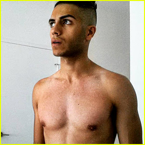 'Aladdin' Star Mena Massoud's Shirtless Photos Are Really Hot!