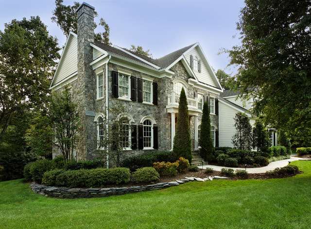 Oakton CurbAppeal  Traditional  Exterior  other metro  by WINN Design+Build