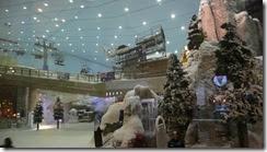 Ski slope with real snow in Dubai!