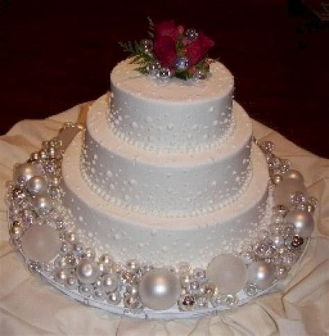 Christmas Ornament Wedding Cake ? OOSILE