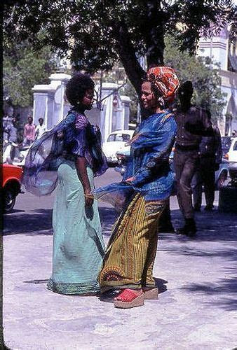 Somali Traditional Dress & Attires Young SOmali women