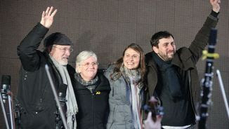 Toni Comín, Meritxell Serret i Lluís Puig amb Clara Ponsatí a Brussel·les (ACN)