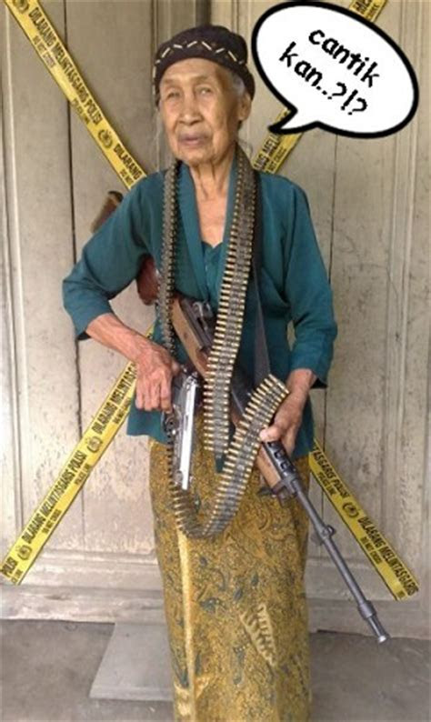 kumpulan foto nenek gaullucu bikin ketawa terbaru kata