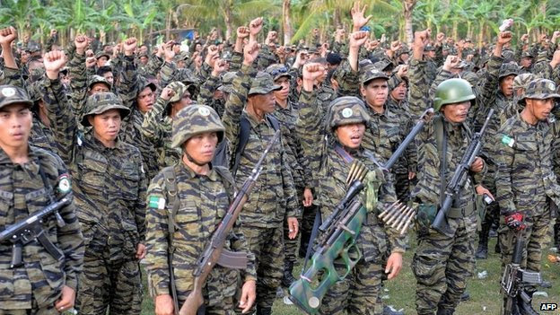 Moro Islamic Liberation Front (MILF) rebels in the town of Sultan Kudarat in southern island of Mindanao (27 March 2014)