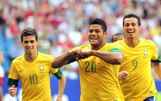 Hulk, Brasil x Dinamarca (Foto: Agência EFE)