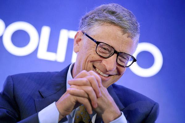 Tỷ phú Bill Gates đã chia sẻ 3 lĩnh vực giúp thay đổi cuộc sống và định hướng nghề nghiệp trong tương lai cho thế hệ trẻ.