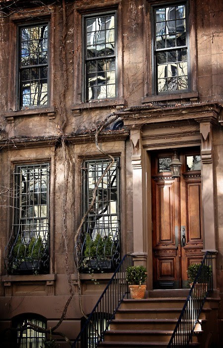anewday54:  #Beautiful #brownstone #nothinglikethem #needone