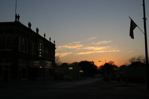 simon theatre in brenham at sunset