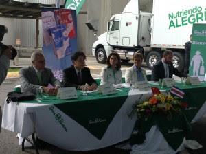 Con cuatro tipos de leche empresa nacional buscan abrirse paso en mercado chino. CRH