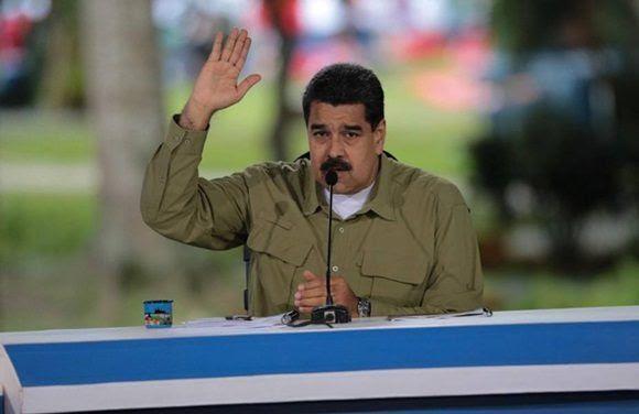 """El presidente de la República Nicolás Maduro señaló que lo ocurrido esta madrugada en el fuerte Paramacay, en Carabobo, no se trató de un alzamiento militar sino de una """"aventura"""" de un grupo de civiles, con participación de algunos militares, que desde Miami y Colombia fueron organizados."""