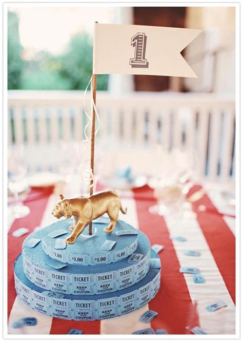 Best 25  Circus theme centerpieces ideas on Pinterest