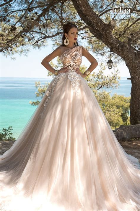 Renee   Bridal, wedding dresses designer   Julija Bridal