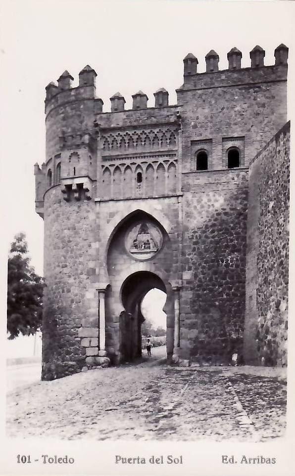 Puerta del Sol a comienzos del siglo XX. Foto Arribas