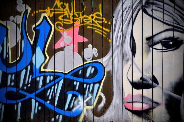 graffiti-476093_640