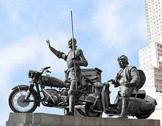 4_2011-08_Pascal_XX-Century-Don-Quixote-Sancho-Panza-39367
