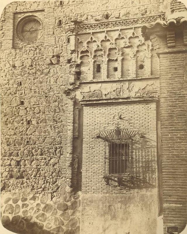 Santiago del Arrabal hacia 1875. Fotografía de Casiano Alguacil © Museo del Traje. Centro de Investigación del Patrimonio Etnológico. Ministerio de Educación, Cultura y Deporte
