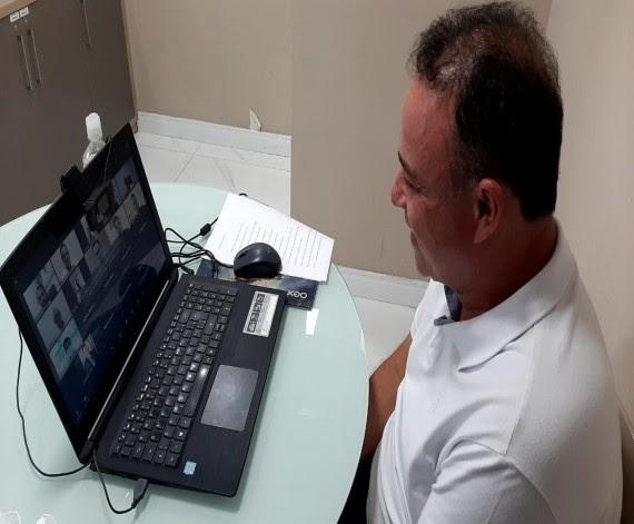 Erlanio Xavier se reúne com Flávio Dino para discutir combate à covid-19