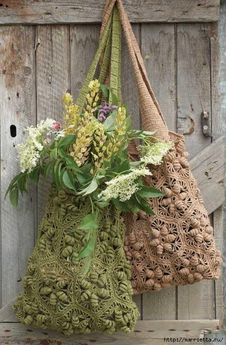 Very beautiful handbag Avoska with volumetric flowers (10) (457x700, 304Kb)