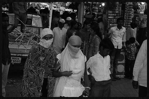 The Hindu Niqab Of Latur,, Quintessential Fashion Statement by firoze shakir photographerno1