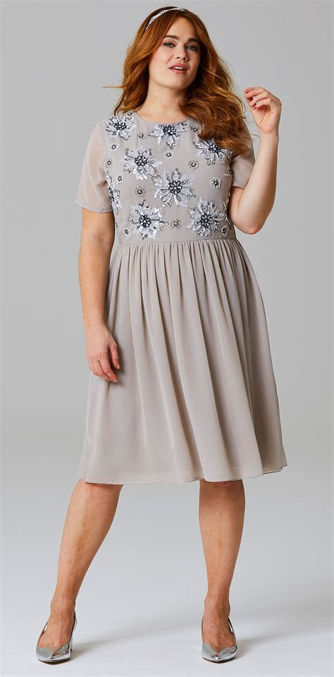 size wedding guest dress sleeves alexawebb