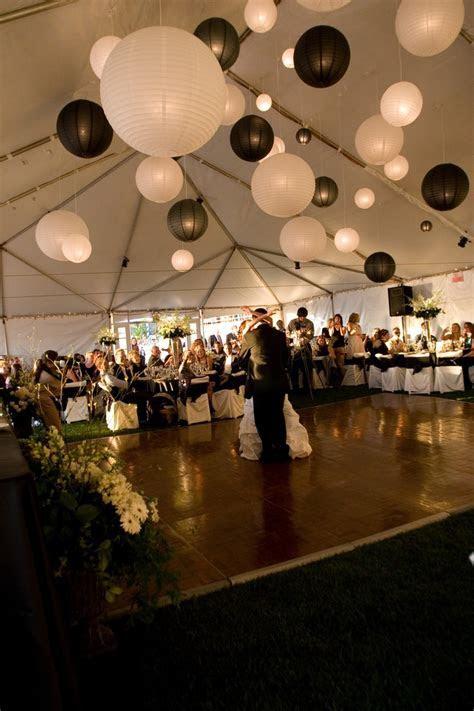 Black & White Wedding Theme Ideas