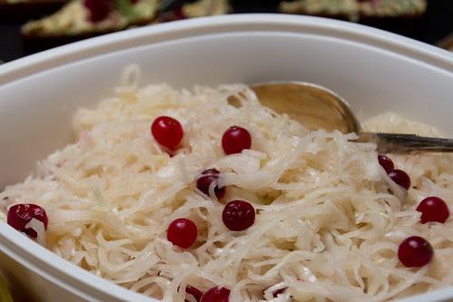 Hapukapsasalat / Sauerkraut salad