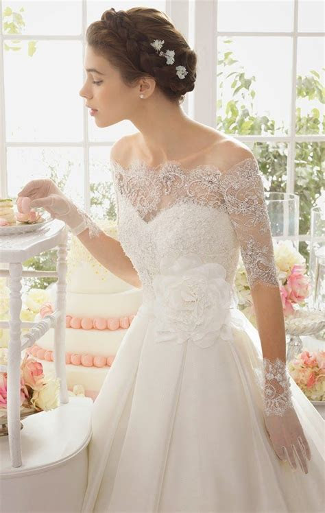 25  best ideas about Wedding Gloves on Pinterest   Lace