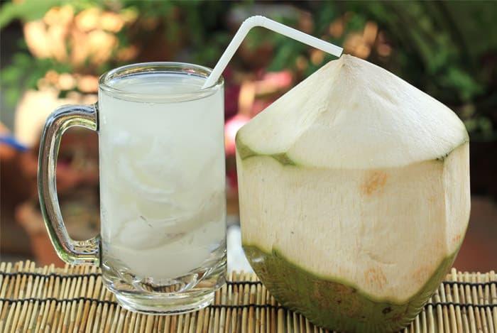 Νερό καρύδας: Τα σημαντικά οφέλη του για την υγεία