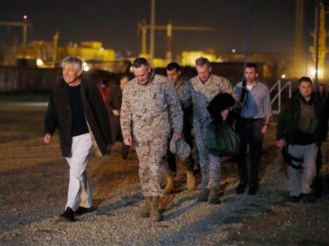 El secretario de Defensa, Chuck Hagel, llega a Camp Eggers en Kabul, Afganistán.  Foto: AP.