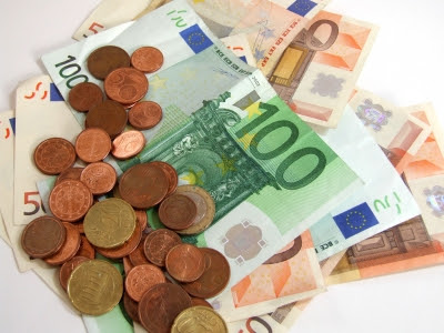 Kredit und Darlehen von Privat fuer Privat. Kein Kredithai oder dubioser Geldverleiher. in 44536