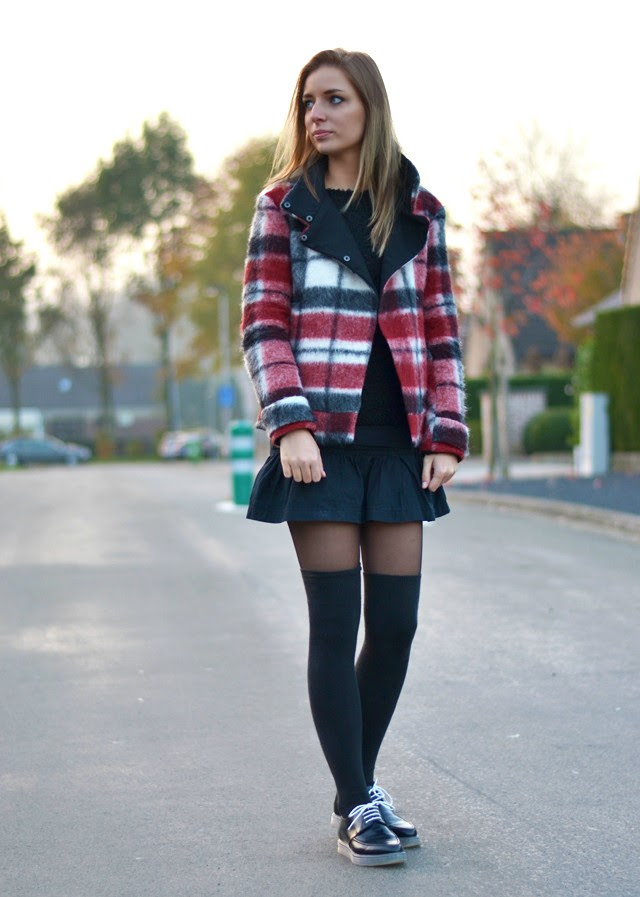 outfit post wearing zara fall winter 2013 2014 new collection tartan plaid jacket blazer mexx skirt zara trf transparent flatform derby shoes over knee hight socks fashion blogger turn it inside out belgium