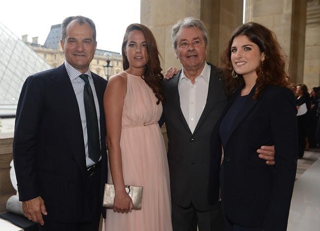 a9 - SALVATORE FERRAGAMO RESORT 2013 SHOW LOUVRE Leonardo Ferragamo - Anouchka Delon - Alain Delon - Maria Sole Ferragamo - SGP