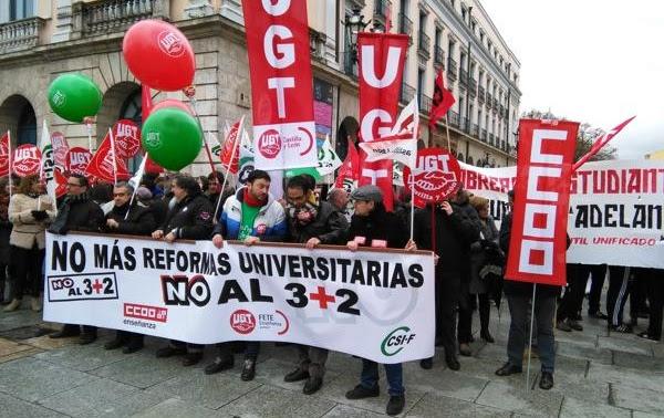 Los manifestantes en contra de la reforma universitaria del Gobierno.