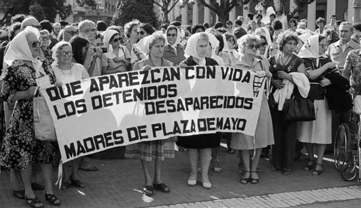 Cuarenta años de la incansable lucha de las Madres de Plaza de Mayo.