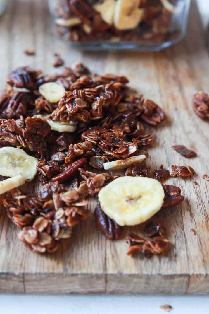 Easy Banana Bread Granola Recipe | Easy Healthy Recipes ...