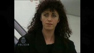 Idoia López Riaño baixant de l'avió quan la van detenir fa 25 anys