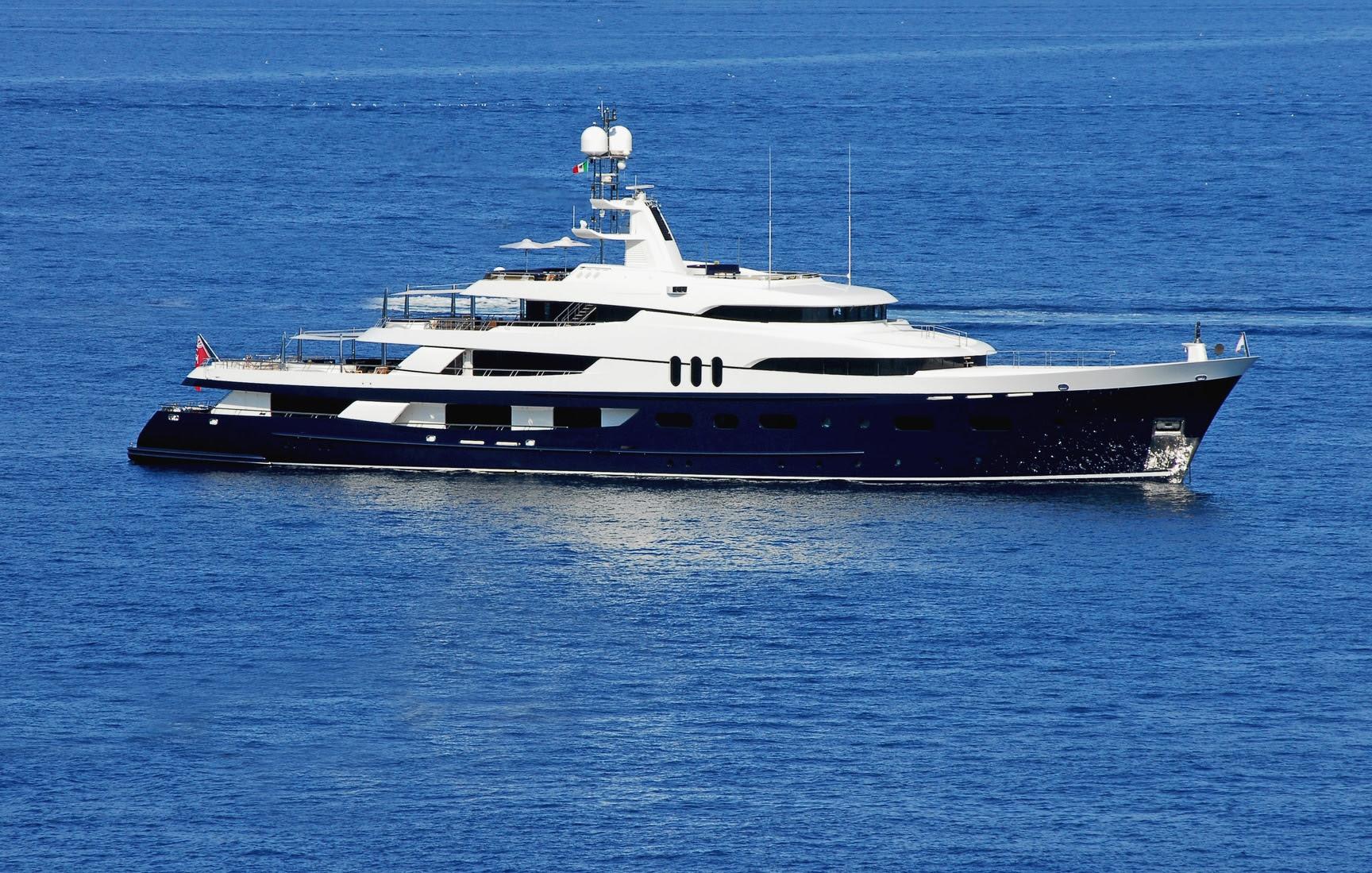 Inside Magic Johnson S Yacht 500k A Week Superyacht Amadeus Celebs On Yachts